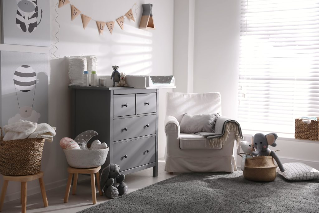 Los tonos claros y neutros, son un acierto en el dormitorio de los niños